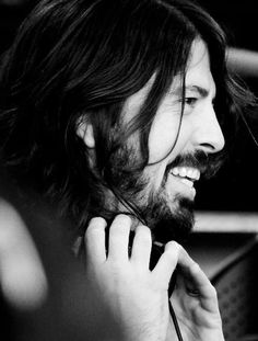 Dave Grohl / Foo Fighters - The Present King of Rock-n-Roll! Foo Fighters Dave Grohl, Foo Fighters Nirvana, Rock N Roll, Music Is Life, My Music, Hard Music, Beautiful Men, Beautiful People, Pretty People