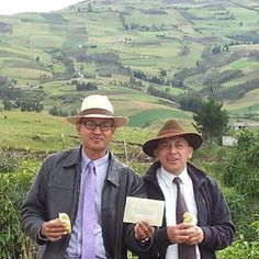 Memorial invitation campaign in Ecuador. -- For date, locations and times see JW.org --  Photo shared by @onlyenecuador