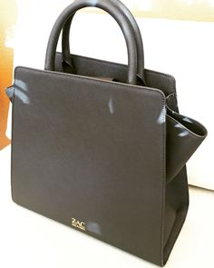 47 Best HANDBAGS images   Bags, Hand bags, Handbags 159215bd4a