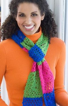 Love the bright colors on this scarf.  Free crochet pattern available.