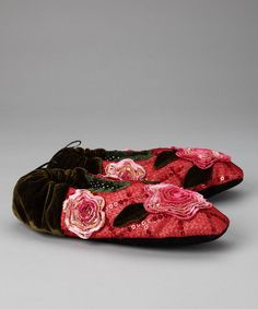 These slippers would definitely go out of the house to some fun; although there is that something about them that makes me think of Agnes' shoes!