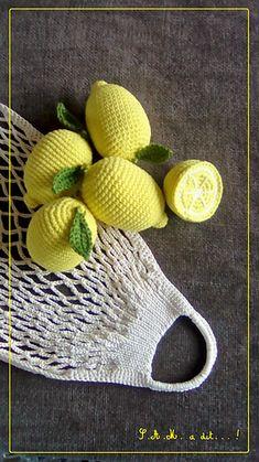 Citron pattern by S. a dit - PintoPin Fruits En Crochet, Crochet Fish, Crochet Animals, Crochet Snowflake Pattern, Crochet Patterns Amigurumi, Crochet Toys, Knit Crochet, Food Crafts, Diy Arts And Crafts