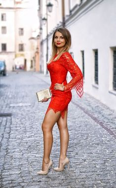 I ❤️ her tight mini dress and high heels, she has beautiful legs💋💋💋 Sexy Dresses, Little Dresses, Tight Dresses, Beautiful Dresses, Beautiful Legs, Beautiful Women, Gorgeous Heels, Mini Dresses, Sexy Skirt
