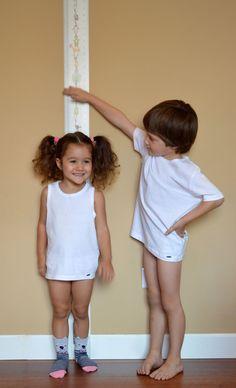 Jaime y Sofía con Talltape.  #talltape ideal artículo de #puericultura para medir la altura de #niños
