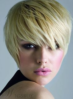 Best Bob Hairstyles & Haircuts for Women - Hairstyles Trends Short Blonde Haircuts, Girls Short Haircuts, Thin Hair Haircuts, Short Bob Hairstyles, Pixie Haircuts, Boy Haircuts, Short Bob Wigs, Short Hair Wigs, Short Hair With Bangs