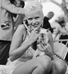 Jayne Mansfield and a tiny kitten