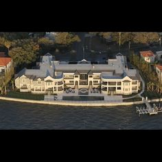Derek Jeter's 2011 crib. This makes Jennifer Lopez' new home look like a toy house!