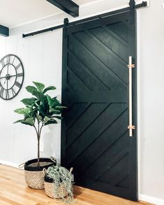DIY Home Decor, find what design you will need to complete one DIY home decorating. Visit diy home decor modern pin number 8956431658 today. Home Design, Inside A House, Barn Door Designs, Entry Way Design, Diy Barn Door, Barn Door White, Bedroom Barn Door, Barn Door Decor, Diy Sliding Barn Door