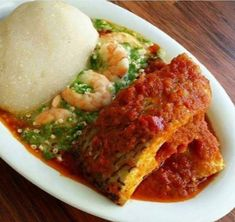 Conventional West African fufu is made by boiling starchy foods as cassava, yam, plantain or rice th Okra Stew, Fish Stew, Ghanaian Food, Nigeria Food, How To Cook Okra, Macedonian Food, West African Food, Food Tags, Food Staples