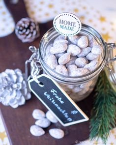 Homemade Chocolate Almonds – Last Minute Gifts from the Kitchen Homemade … – Valentine Day Valentines Day Dinner, Valentines Day Gifts For Him, Xmas Gifts, Homemade Sweets, Homemade Chocolate, Homemade Gifts, Chocolate Gifts, Best Valentine's Day Gifts, Valentine's Day Diy