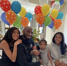 Vanessa Bryant, Natalia Bryant, Lakers Kobe Bryant, Los Angeles Lakers, Alessandra Rosaldo, Kobe Bryant Daughters, Kobe Mamba, Kobe Bryant Family, Kobe Bryant Pictures