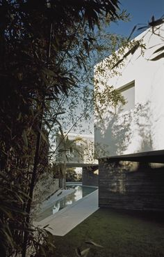 Psychiko House by Divercity Architects | HomeDSGN