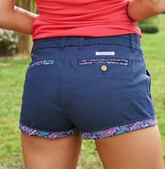 The Brighton Shorts are perfect for everyday wear and they are as ready for spring as you are. Made from ultra soft staple cotton and a small amount of spandex, then made complete with paisley accents. Preppy Outfits, Short Outfits, Cool Outfits, Summer Outfits, Summer Clothes, Little Girl Leggings, Girls In Leggings, Preteen Girls Fashion, Girl Fashion