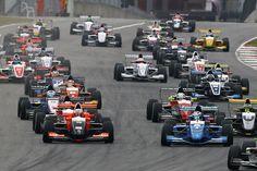 """Con uno schieramento """"Super"""" la Formula Renault 2.0 ALPS prende il via ad Imola"""