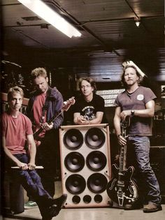State Of Love & Pearl Jam : Photo