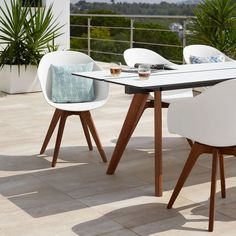 Create an outdoor oasis with stylish outdoor furniture that are easy to maintain. The Elba and Adelaide ranges by BoConcept