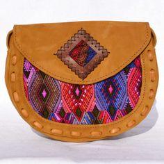 Sac à bandoulière, modèle Chichi, Ethnique Tendance Mauve et Rose, besace, huipil, cuir, fait-main, handmade, modèle unique, origine Guatemala