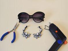 Γυαλιά ηλίου: Ανανέωσε τα μοναδικά, με δύο σκουλαρίκια! http://www.ediva.gr/gyalia-hliou-ananeose-ta-monadika-me-dyo-skoularikia/#.U2ek1vl_sgF