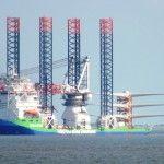 Das Errichterschiff Innovation im Fahrwasser der Jade