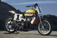 One of the nastiest bikes ever made - Kenny Roberts Two stroke Yamaha TZ750
