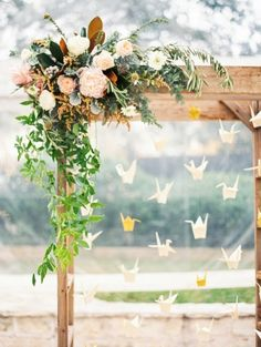 Paper cranes: http://www.stylemepretty.com/2014/06/11/eclectic-austin-wedding-pastel-hues/ | Photography: Taylor Lord - http://www.taylorlord.com/