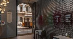 """Nel locale LARTE di Milano, la """"casa-bottega"""" artistica italiana che dà spazio alle marche più prestigiose del Made in Italy (dal food al design) e dove tutto ciò che viene presentato è un' """"opera d'arte"""" da ammirare, fruire, condividere e ricordare, entro il 2019 esporterà il suo format in altre 8 città (opening.lartemilano.com) Milano, Opera, Room, Furniture, Design, Home Decor, Dinners, Bedroom, Decoration Home"""