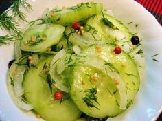 Cooking With SE Harsyed. These Cooking Tips Can Get You Started! Cooking is a necessary skill whether you live alone or need to feed a large family. Being educated in the cooking arts yields benefits ranging from better Food N, Good Food, Food And Drink, Yummy Food, Cucumber Recipes, Salad Recipes, Vegan Recipes, Cucumber Salad, Cooking Tips