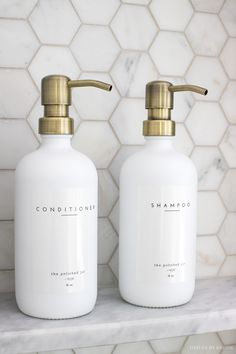 LOVE these shampoo and conditioner bottles she found - so many beautiful bathroom decor ideas in this post! Spa Tag, Bathroom Renos, Bathroom Ideas, Elegant Bathroom Decor, Bathroom Counter Decor, Bathrooms Decor, White Bathrooms, Bathroom Stuff, Bathroom Images