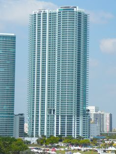 900 Biscayne Bay in May 2008