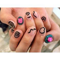 . お客様ネイル♡ 落書き風アートネイル♡ . #nail #nails #nailist #nailslon #nailart #gelnail #naildesign #nailist #shibuya #fashion #渋谷ネイル #渋谷ネイルサロン #follow#instanail #ネイル #ネイリスト #セルフネイル #ネイルアート #ネイルデザイン #ジェルネイル #네일 #가을네일 #手書きネイル#ニュアンスネイル#ラメネイル #クリアベースネイル #韓国ネイル #落書きネイル #夏ネイル