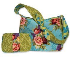 Free Bag Pattern and Tutorial - Flirty Floral Handbag