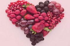 Полезные продукты для сердца. Сердце самый важный орган нашего организма и его нужно беречь с молодых лет. Стрессы и не правильное питание приводят к различным сердечным заболеваниям. А, ведь, для хорошей работы сердца необходимы фитонутриенты, предотвращающие повреждение клеток и помогающие их регенерации. Ежедневное употребление необходимых продуктов поможет снизить риск развития сердечно-сосудистых заболеваний.