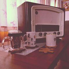 Mañanas tranquilas con buena música. #posavasos #coaster #puzzlecoasters #radio #restaurada #restoration #woodworking #lustres #carpenter