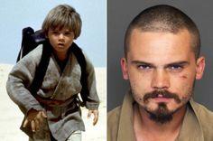 """Jake Lloyd. - El pequeño fue parte de """"Star Wars"""" y causó ternura y admiración por su desempeño a tan corta edad pero luego de eso el actor dijo vivir bullying debido a su papel, lo que lo llevó a recordar su infancia como un infierno, además de tener problemas con la policía y problemas mentales."""