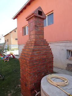 Pe Langa Casa: Gratar de Gradina Rustic din Caramida Brick Bbq, Brick Patterns, Bratislava, Bbq Ideas, Patio Ideas, Diy Sauna, Garden, Outdoor Decor, Project 3