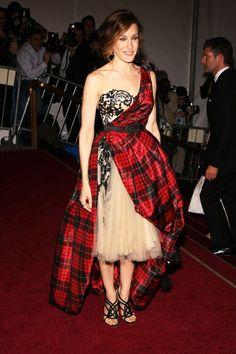 The Best Met Gala Looks Through The Years | The Zoe Report- Sarah Jessica Parker in Alexander McQueen, 2006 Met Gala