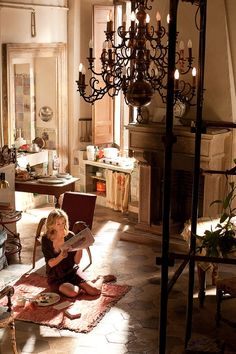 """Julia Roberts apartment in Rome, """"Eat Pray Love"""" I AM OBSESSED with everything in this photo. Julia Roberts, Eat Pray Love Movie, Eat Pray Love Quotes, Come Reza Ama, Indoor Picnic, Estilo Retro, Elle Decor, Sweet Home, House Design"""