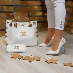Stylish Trendy Handbags Ideas for 2020 – louis vuitton shoe heels Chanel Handbags, Fashion Handbags, Fashion Bags, Chanel Bags, Hermes Bags, Lv Handbags, Coco Chanel, Chanel Heels, Versace Shoes