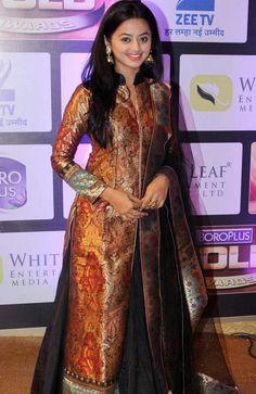 helly shah aka swara at boroplus gold awards 2016