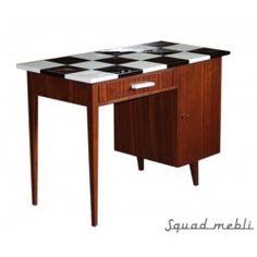 Checked desk Exceptional desk with white-black checquer. Checkmate. #desk #checquer #wood #furniture #design #polishdesign #biurko #szachownica #vintage #meble