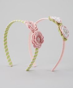This set's delicate weave handles hair like a dream. Little sweeties will adore its crafty look, and they'll smile big knowing their favorite hairdo won't wane throughout the day. Crochet Baby, Knit Crochet, Queen Bees, Crochet Flowers, Pink And Green, Hair Bows, Hair Clips, Headbands, Girl Outfits