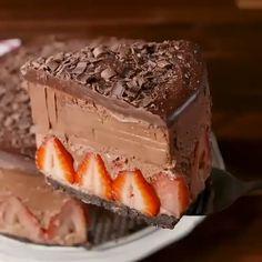 Easy Chocolate Mousse, Flourless Chocolate Cakes, Best Chocolate Cake, Homemade Chocolate, Chocolate Ganache, Chocolate Chips, Chocolate Shavings, Chocolate Food, Chocolate Cream