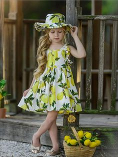 Your baby girl will be the absolute cutest when she wears this dress. It has a flowy skirt perfect for twirling, and a matching sun hat. Wear it with casual sandals for an adorable summer outfit. Kids Summer Dresses, Dresses Kids Girl, Little Girl Dresses, Kids Outfits, Cute Outfits, Flower Girl Dresses, Maxi Dress With Sleeves, The Dress, Baby Dress