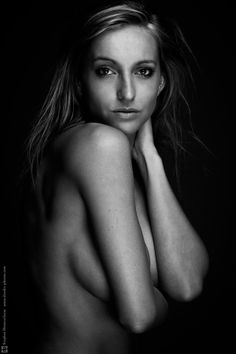 #Metz #b&w #black #bw #elinchrom #fashion #fashionworld #hensel #portrait #rangerrx #studio #topless #white Anne by Stephan Deneuvelaere on 500px
