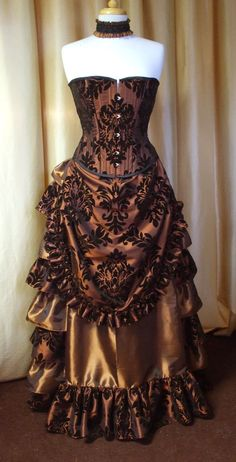 Victorian corset by SteampunkDecadence on Etsy, €149.00 Love the colors and the skirt!