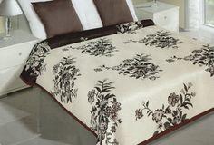 Květinové oboustranné přehozy na postel krémově hnědé barvy Hotel Bed, Bedding Sets, Blanket, Luxury, Furniture, Beautiful, Home Decor, Decoration Home, Room Decor