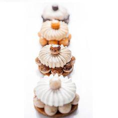 Déclinaison de Saint-Honoré de la collection Les Parisiennes, réalisée par Cédric Grolet. Majestueux, les moindres détails ont été travaillés pour faire de ces pâtisseries de renom, de véritables œuvres d'art.