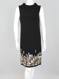 One of our most stunning pieces! Oscar de la Renta Black Wool Crepe Dress with Gem Embroidery Size 6  #OscardelaRenta #Shift #Cocktail