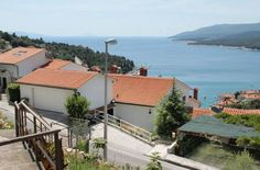 Apartment Rabac 2340a Rabac Located 100 metres from Rabac Bus Stop in Rabac, this apartment features a terrace. The property is 300 metres from Rabac Ferry Port and free private parking is featured. Free WiFi is offered throughout the property.