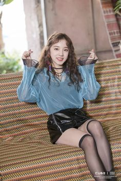 Image shared by mel. Find images and videos about kpop, idle and (g)i-dle on We Heart It - the app to get lost in what you love. Kpop Girl Groups, Korean Girl Groups, Kpop Girls, K Pop, Chica Cool, Pop Idol, Soyeon, Kpop Outfits, Girl Bands
